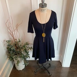 H & M Women's Scoop Neck Short Sleeve Dress